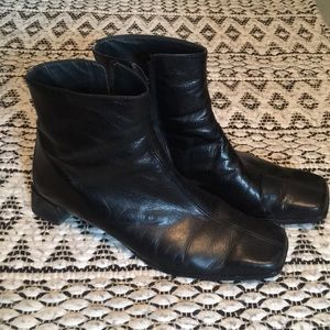 Paul Green Munchen Leather Ankle Boots